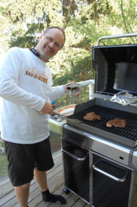 Phil Grills with Bar-B-Kube